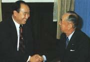 統一教会に来られた岸信介元首相と文鮮明師(1973.11.23 統一教会本部)